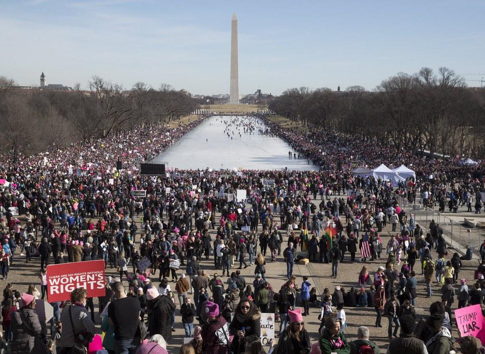 """""""Marchas das Mulheres"""" tomam EUA no primeiro aniversário da presidência Trump"""