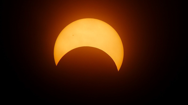 Seis regras para observar o eclipse solar em segurança