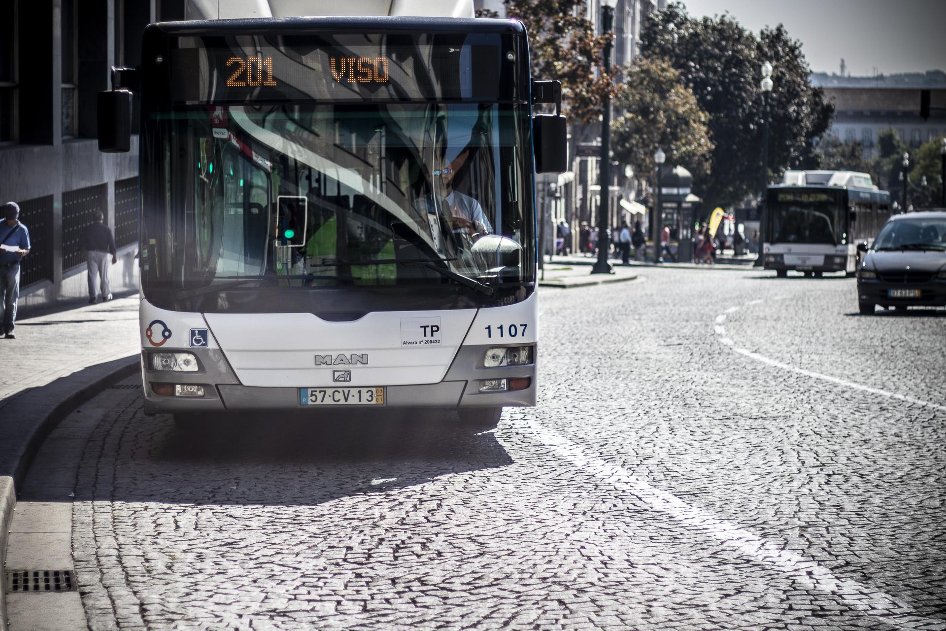 Covid-19: Passe família suspenso no Grande Porto até haver condições de segurança