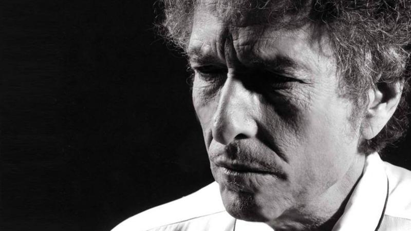 """Bob Dylan está de volta e lança canção com 17 minutos: ouça aqui """"Murder Most Foul"""""""