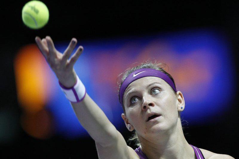 Safarova eliminada na terceira ronda