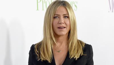 Jennifer Aniston explora o confuso mundo das notícias na TV após o #MeToo