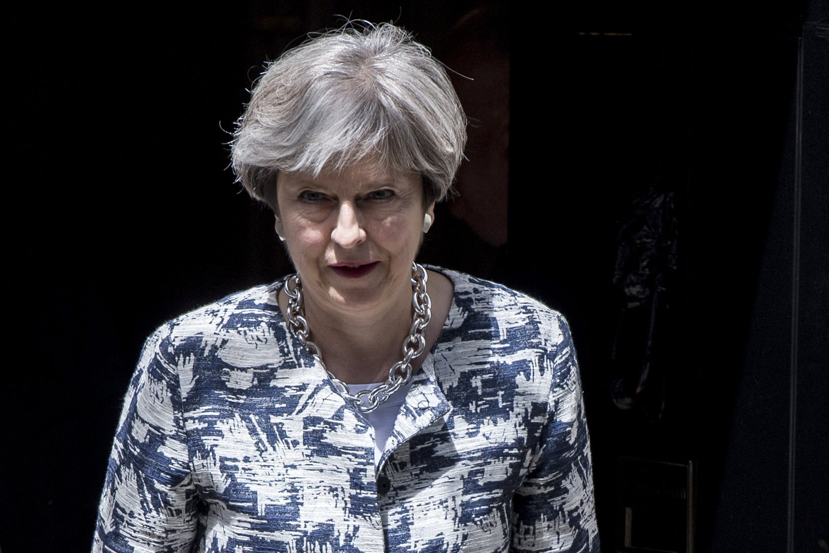 Governo de Theresa May venceu primeiro teste no parlamento britânico