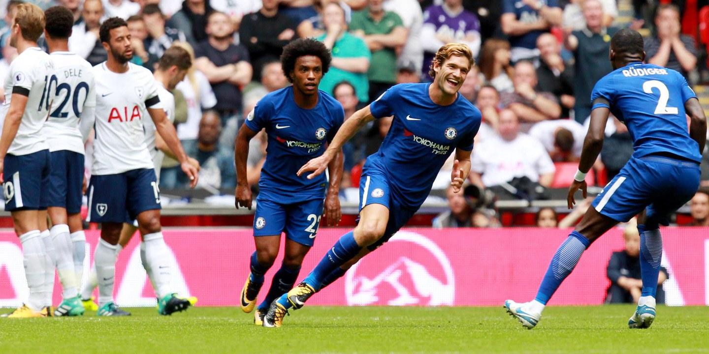 'Bis' de Marcos Alonso dá vitória ao Chelsea no dérbi com o Tottenham