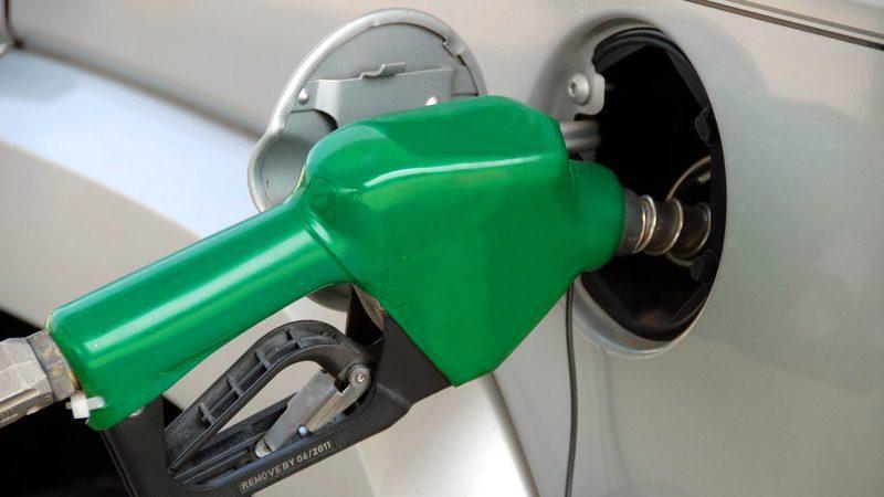 Combustíveis descem (outra vez). Gasolina baixa um cêntimo