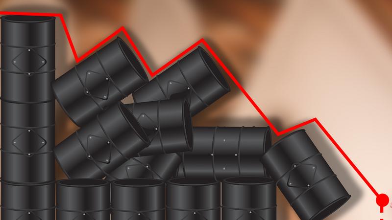 Petróleo derrapa 4% até mínimos de setembro de 2017. Excesso de oferta pressiona