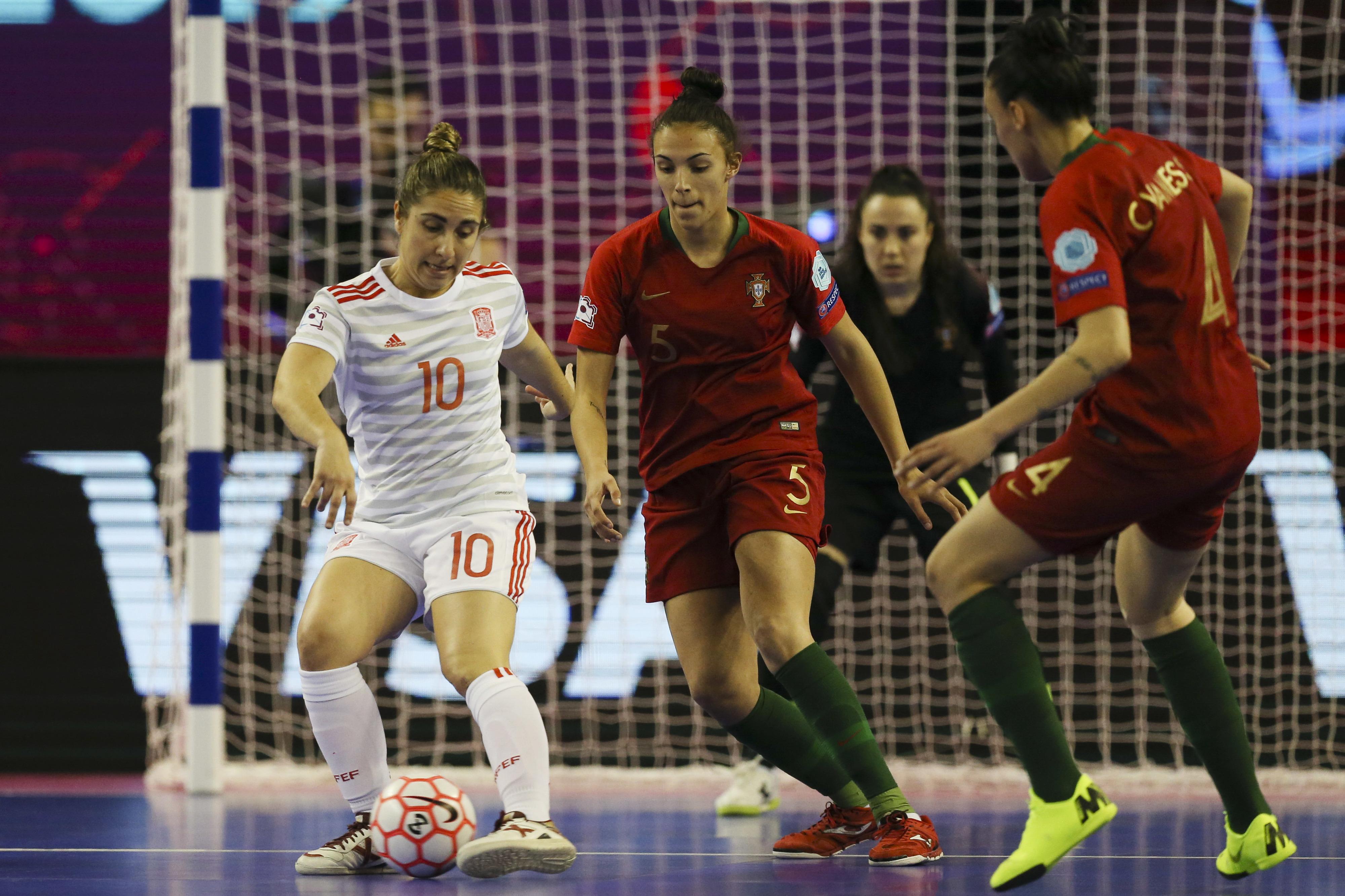 Marcelo expressa orgulho na seleção feminina de futsal e felicita vice-campeãs