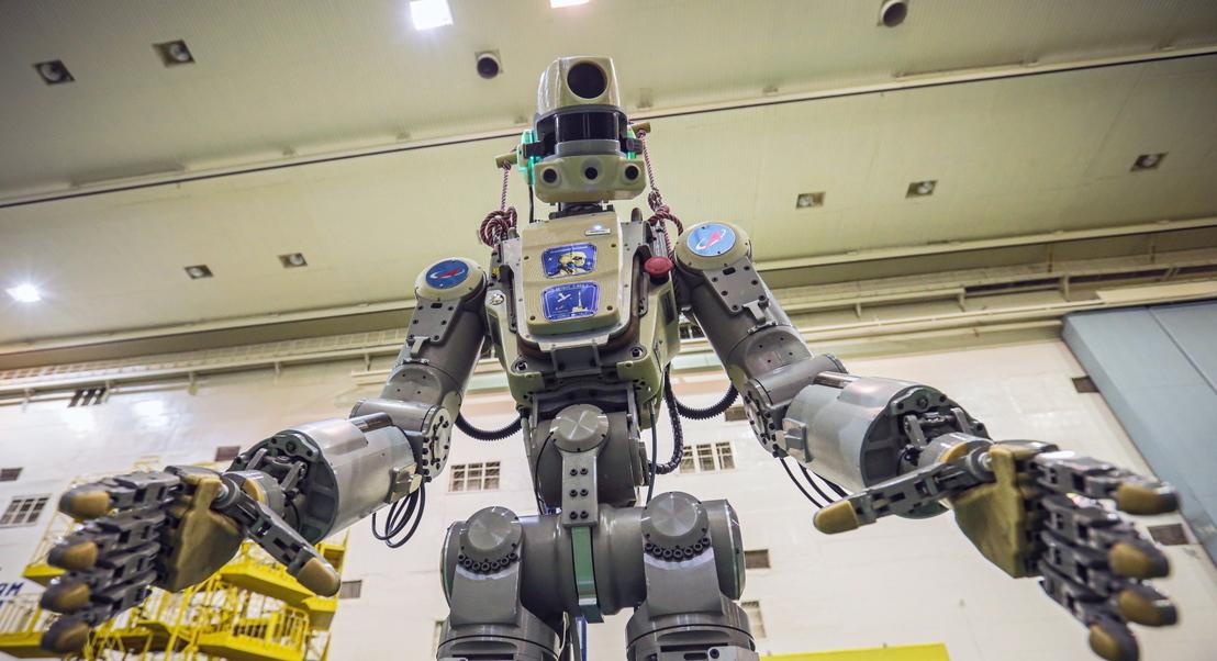 Sonda com primeiro robô humanoide russo a bordo falha acoplagem na estação espacial