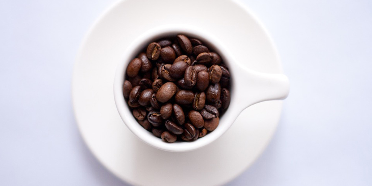 Chávenas e copos divertidos para beber o seu café