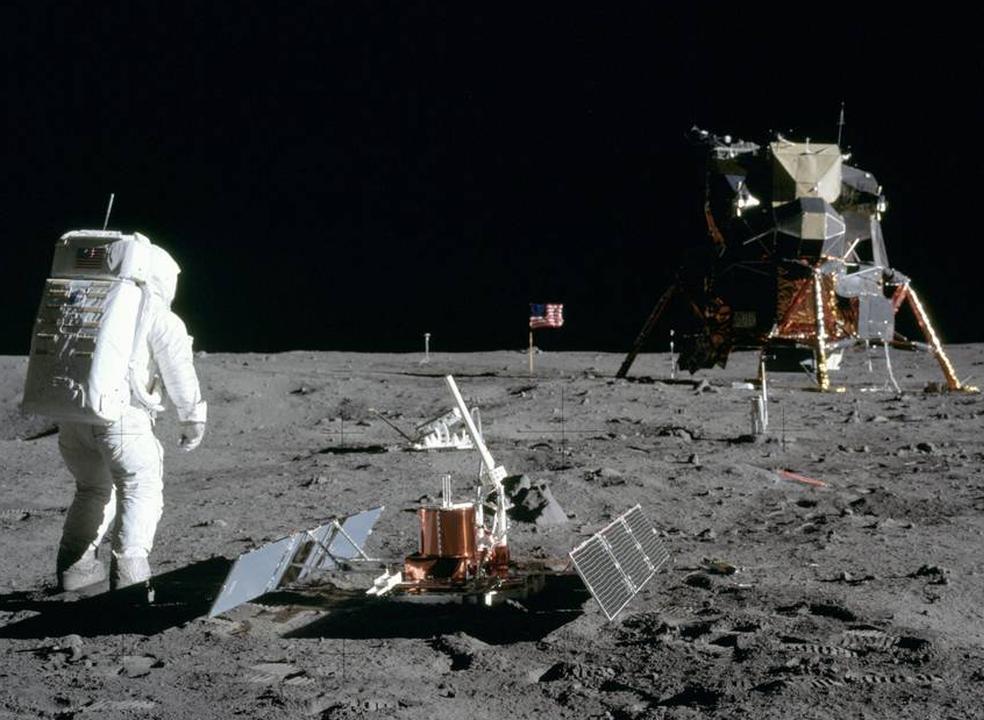 """Countdown para o primeiro homem na Lua: """"Apollo 11, daqui é Houston"""". Como comunicavam os astronautas?"""