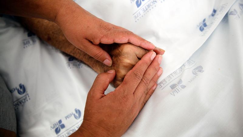 Quase 50 milhões de pessoas vão morrer em 2060 sem cuidados paliativos, diz estudo
