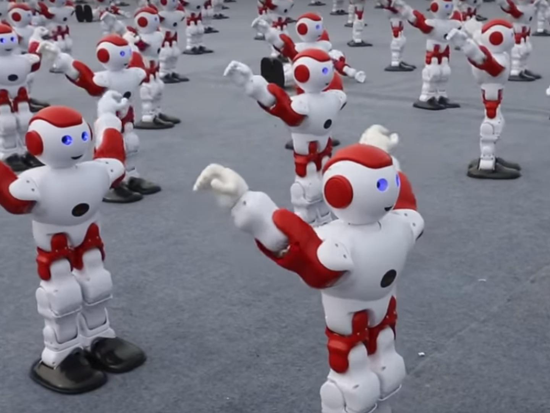 Humanos versus robôs: um futuro de felicidade ou de depressão?