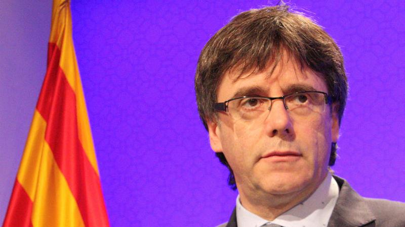 """Carles Puigdemont classifica condenação de ex-líderes catalães como """"uma atrocidade"""""""