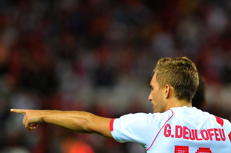 Everton empresta Deulofeu ao AC Milan