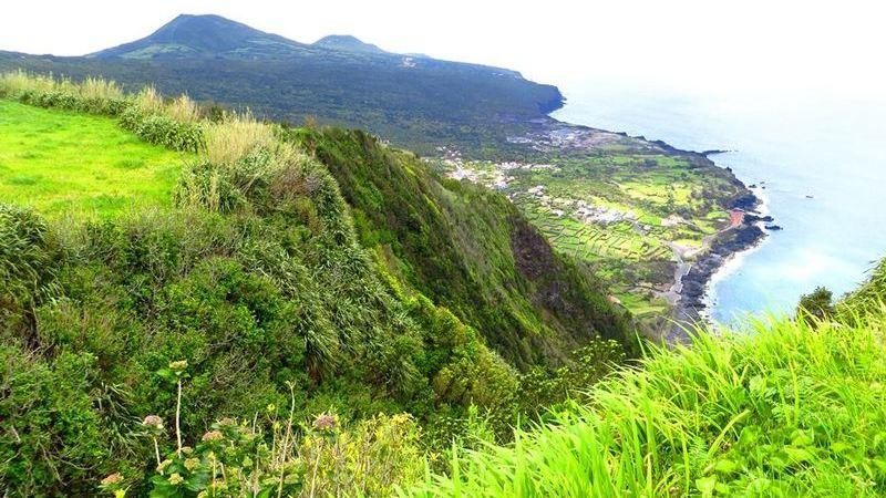 Faial, a verdejante ilha açoriana