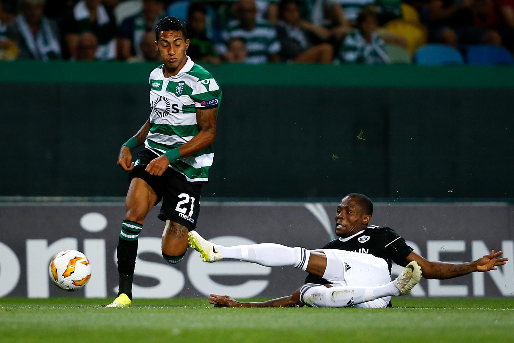 Raphinha regressa aos treinos do Sporting após mais de dois meses de ausência