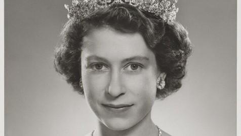 Parabéns, Sua Majestade!
