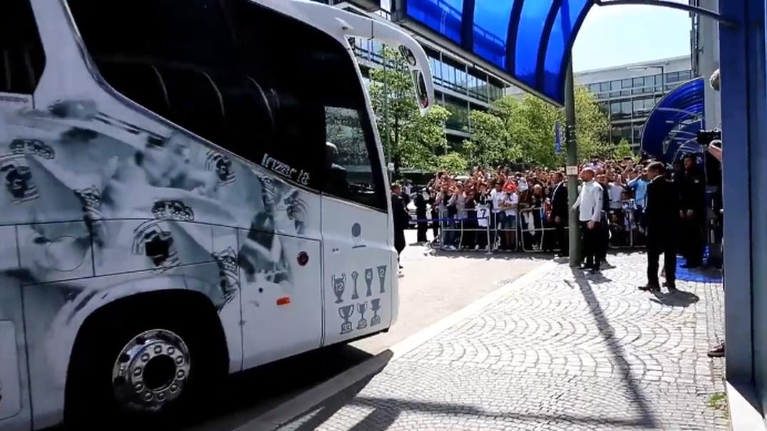 Real Madrid chega a Munique e é a loucura completa