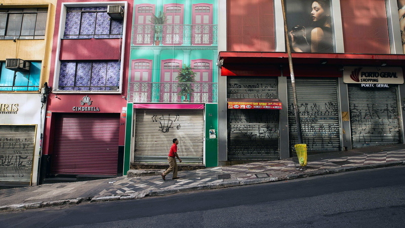 Quase 30% dos brasileiros diz não fazer isolamento social