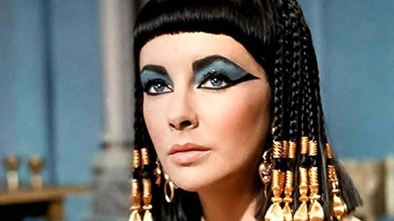 Cleópatra: os hábitos de beleza da rainha egípcia (e como recriá-los em casa)