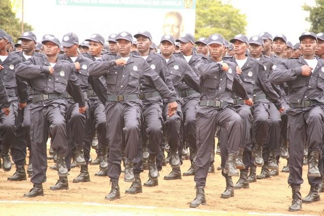 Girabola: Polícia angolana prevê destacar 600 efetivos para o jogo entre Domant FC e 1.º de Agosto