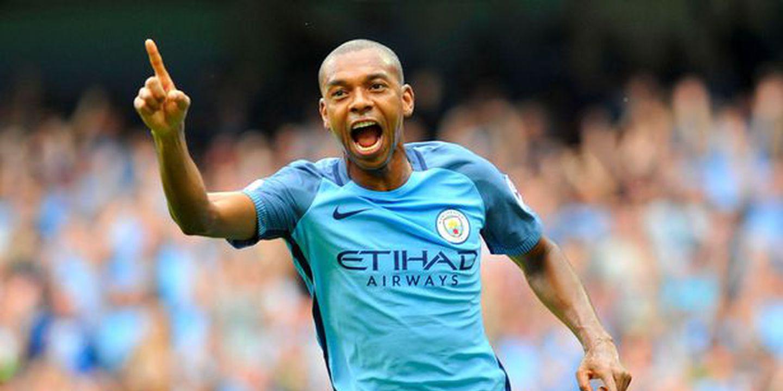 Fernandinho renova com o Manchester City até 2020