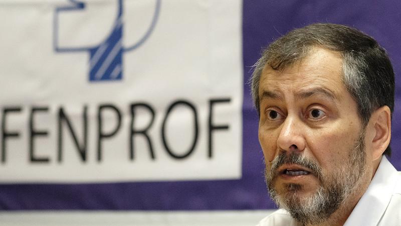 """Fenprof diz que continuidade do ministro da Educação é """"uma afronta e uma provocação"""""""