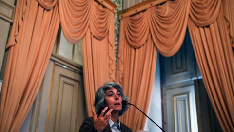 Prémio Camões: Ministra portuguesa da Cultura felicita Chico Buarque