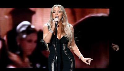 Após cirurgia, Mariah Carey surge em concerto com menos 11 quilos