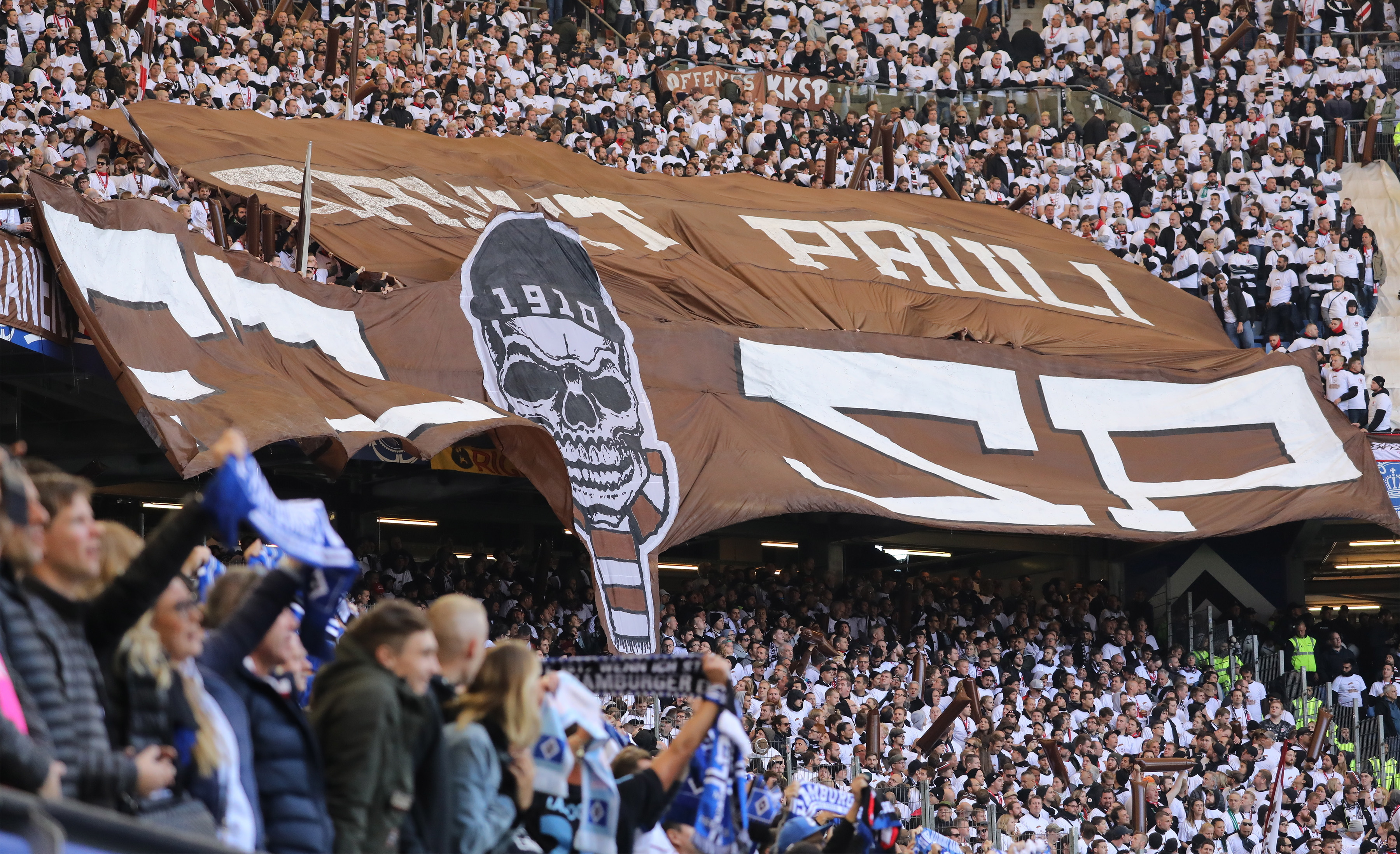 St. Pauli dispensa jogador turco que apoiou tropas na ofensiva contra os curdos