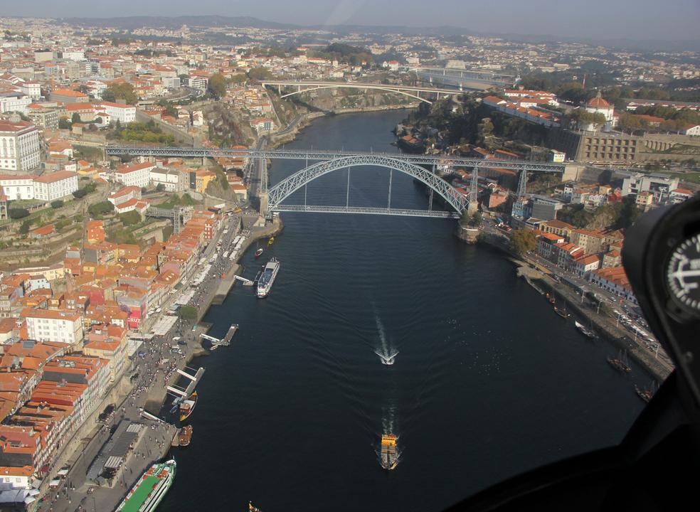 Quer conhecer o Porto a partir do céu?