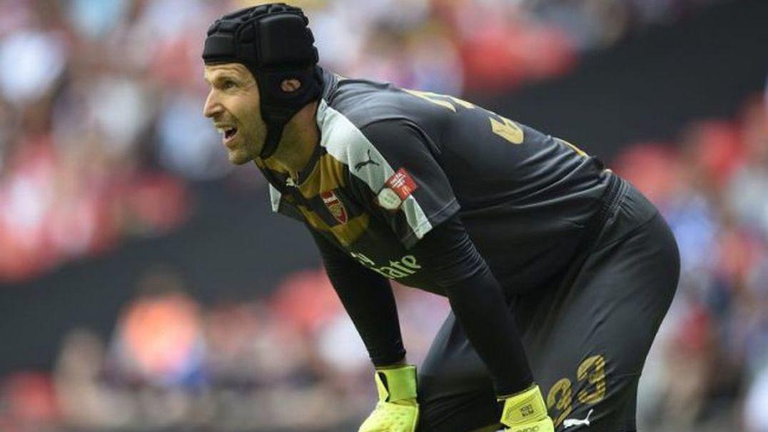 Foi grande o susto que Petr Cech deu aos adeptos do Arsenal