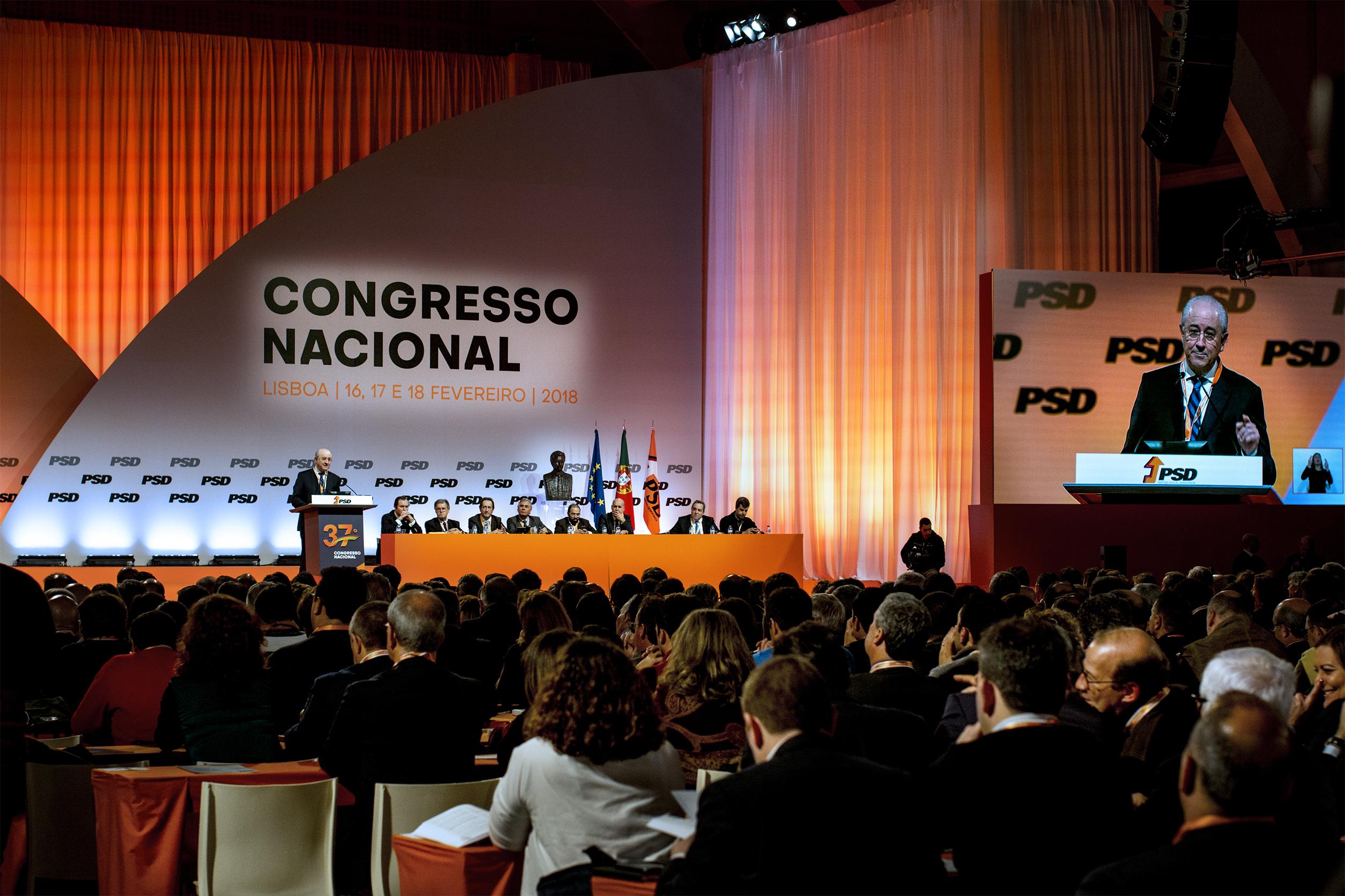 """Congresso do PSD aprova proposta de """"legalização responsável e segura do uso de canábis em Portugal"""""""