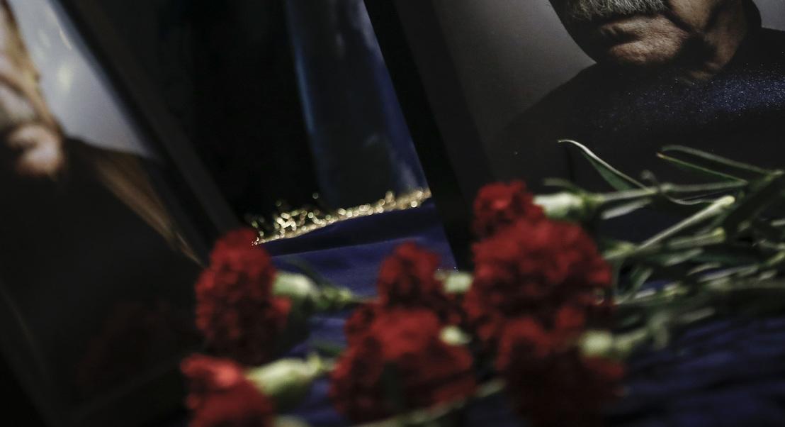 José Mário Branco: Funeral com palmas, música, emoção e um trajeto de silêncio
