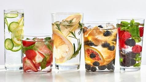 10 águas com sabores para emagrecer mais facilmente