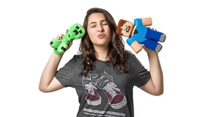 Conheça a multifacetada Bibi, vbloger, cantora, escritora e fã de Minecraft