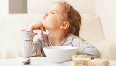 Seis estratégias para evitar birras ao pequeno-almoço