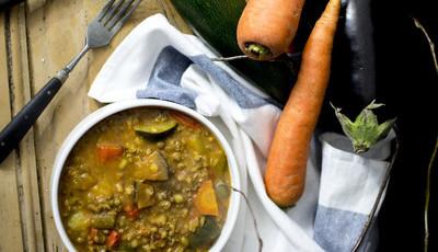 Feijoada vegan de soja