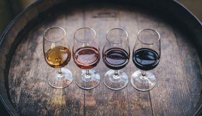 O Vinho do Porto em 10 perguntas. Um brinde a quem responder em cheio