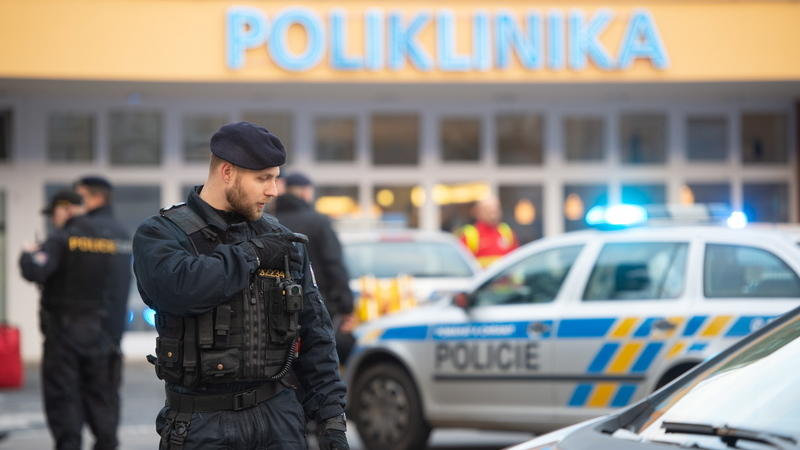 República Checa: Tiroteio num hospital faz pelo menos seis vítimas mortais. Suspeito do ataque suicidou-se