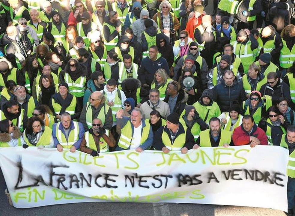 """Afinal, o que pretende e quem são os organizadores da manifestação portuguesa inspirada nos """"coletes amarelos""""?"""