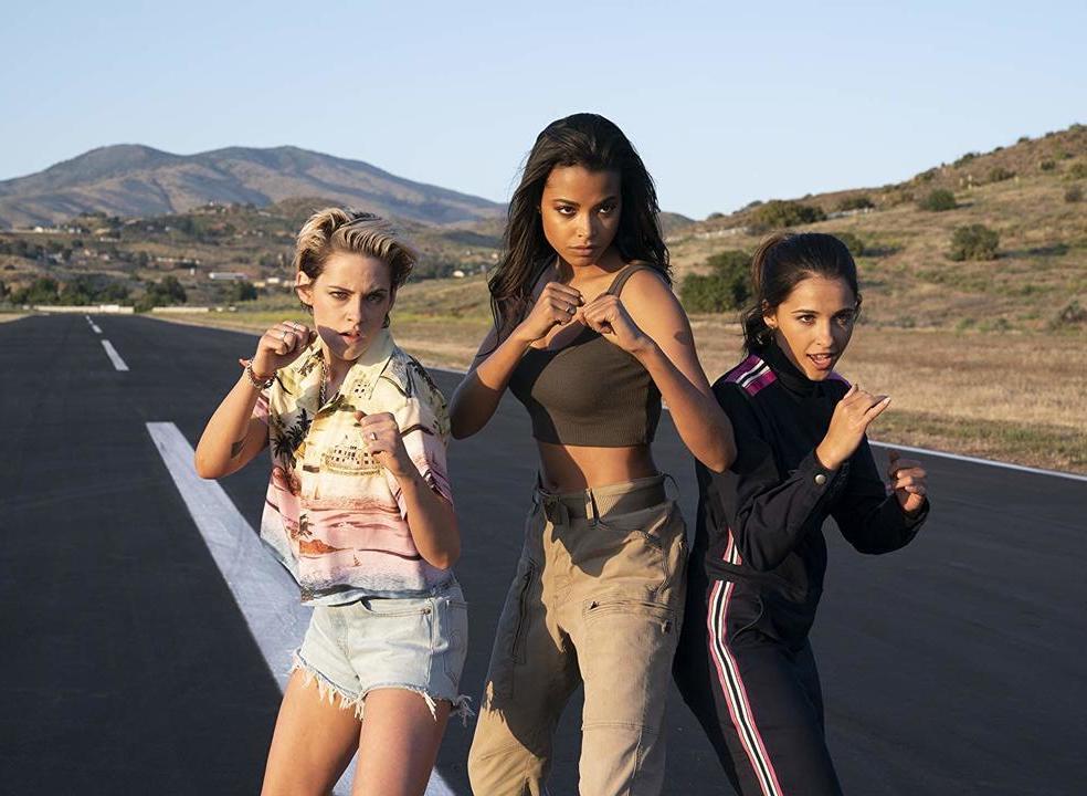 """Cinema em casa: """"Os Anjos de Charlie"""". Kristen Stewart lidera nova equipa sem chama"""