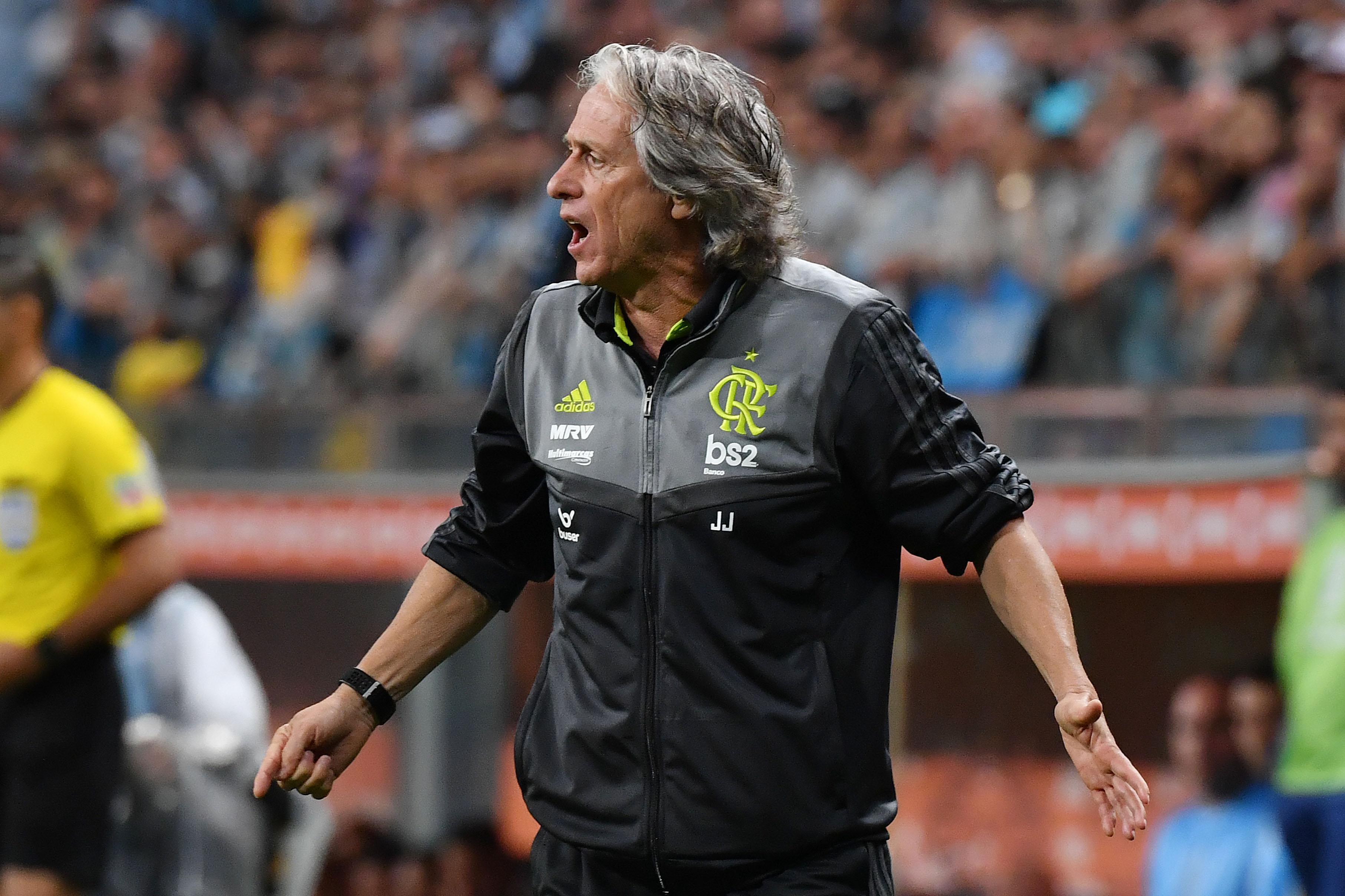 Flamengo vence em casa do Athletico Paranaense e acaba com enguiço de 45 anos