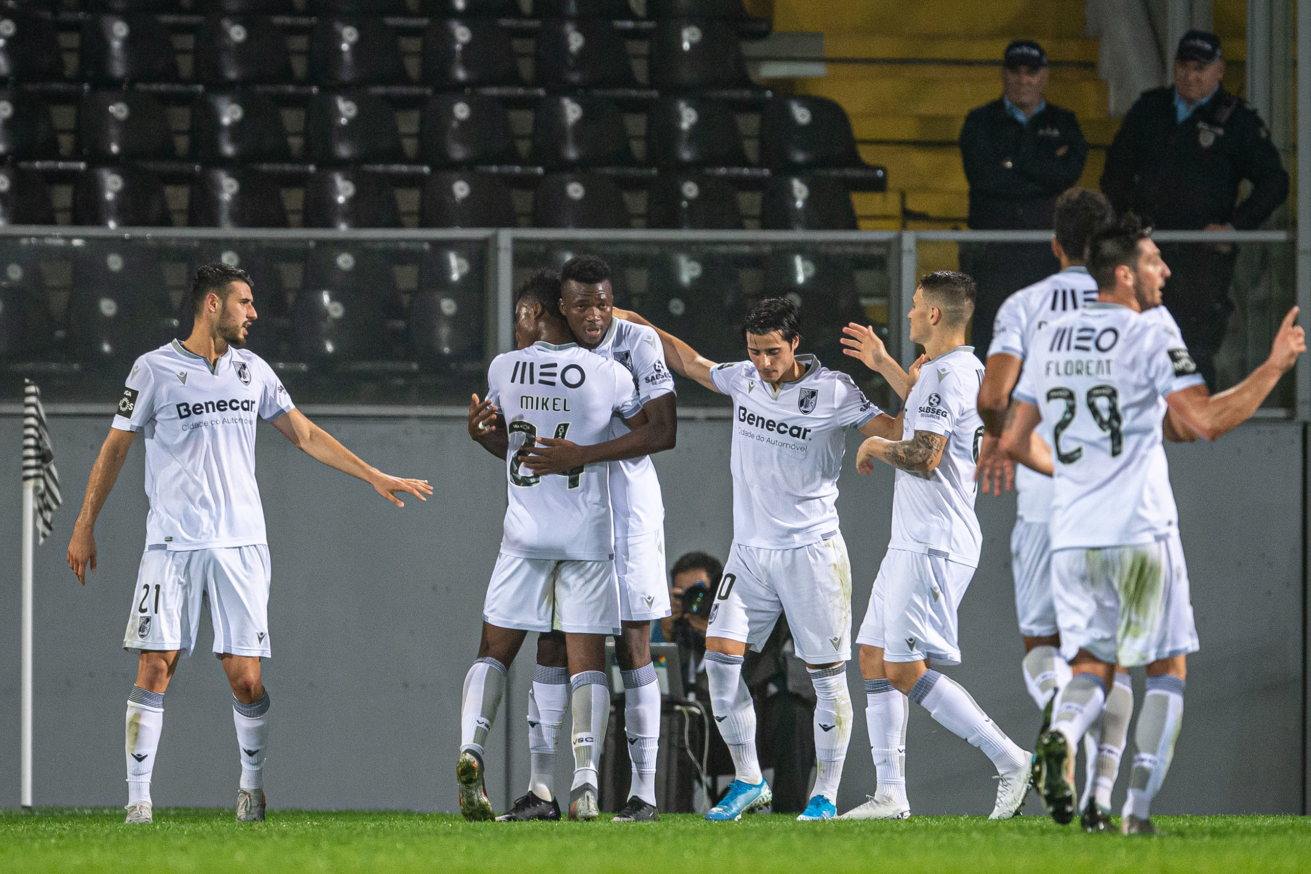 Acompanhe o Eintracht Frankfurt - Vitória SC AO MINUTO
