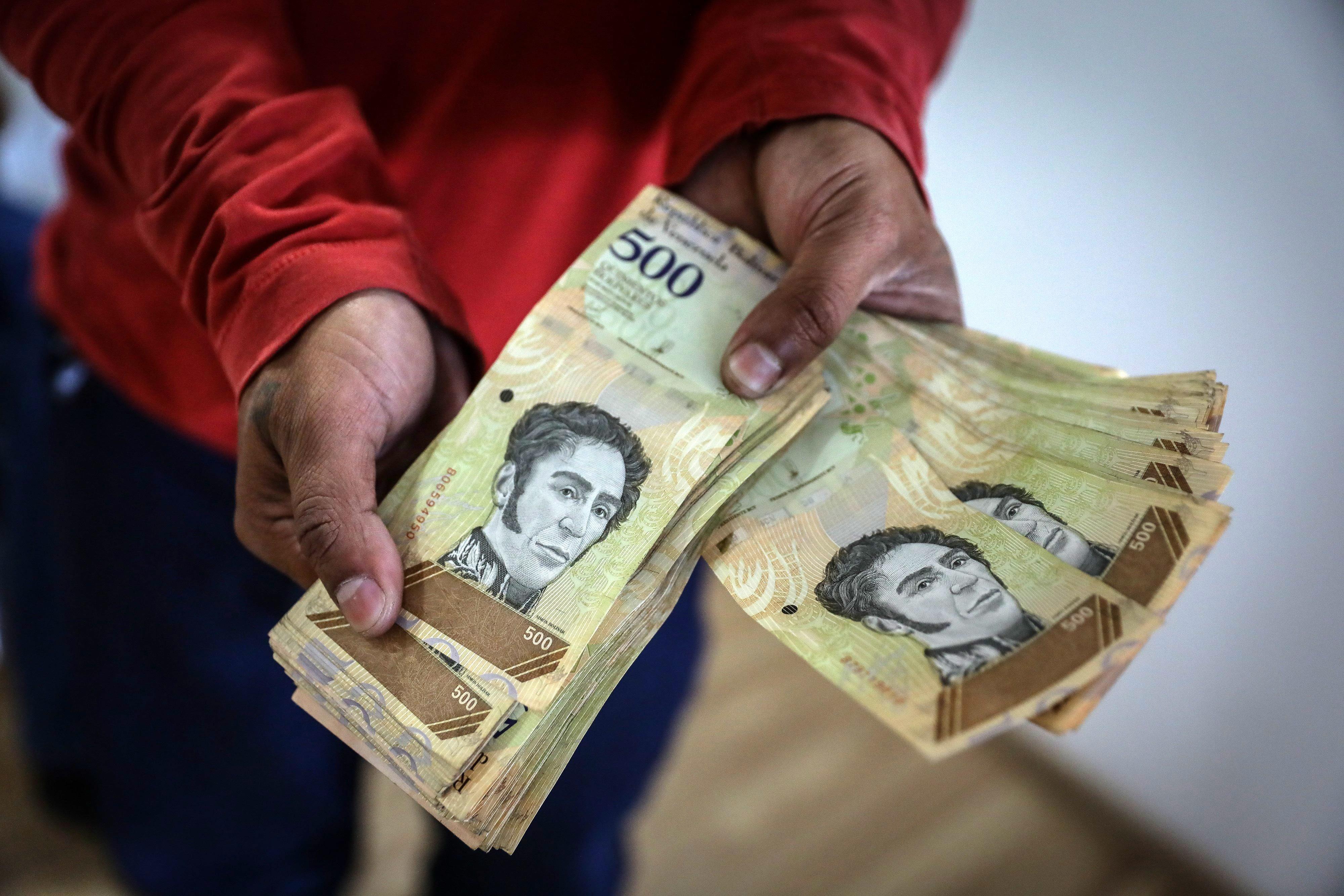 Salário mínimo mensal na Venezuela vai aumentar 375% e o subsídio de alimentação 600%