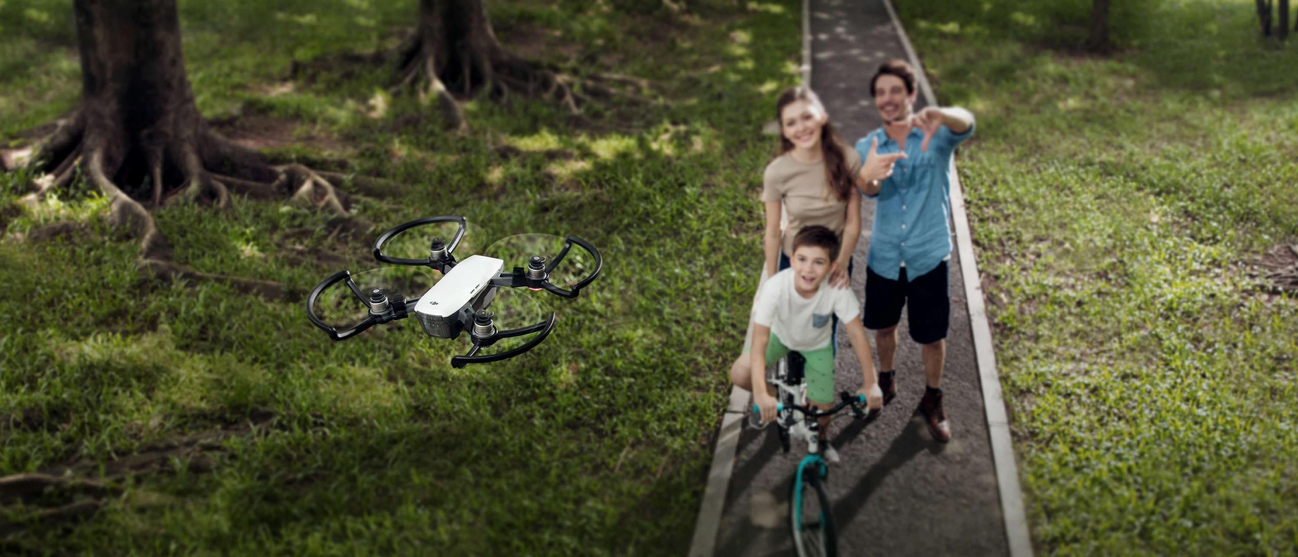 Montra TeK: Os selfie drones que animam as suas férias de verão!