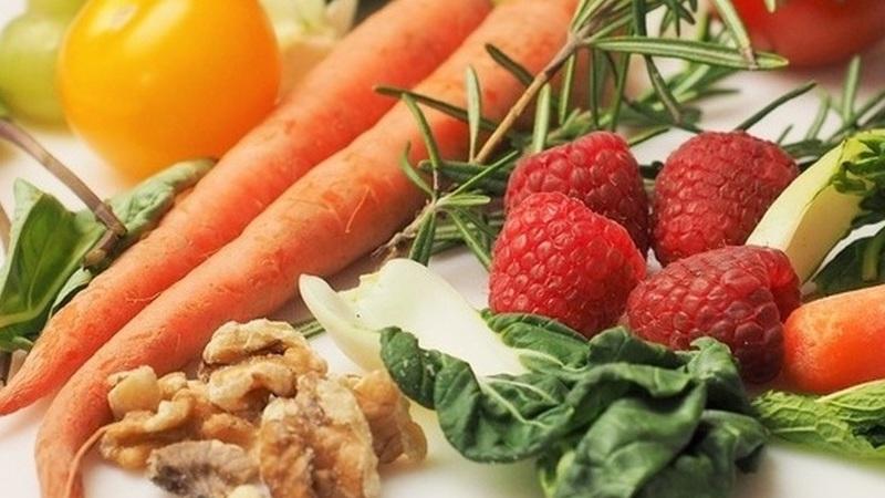 Alimentação e coronavírus: não há alimentos curativos