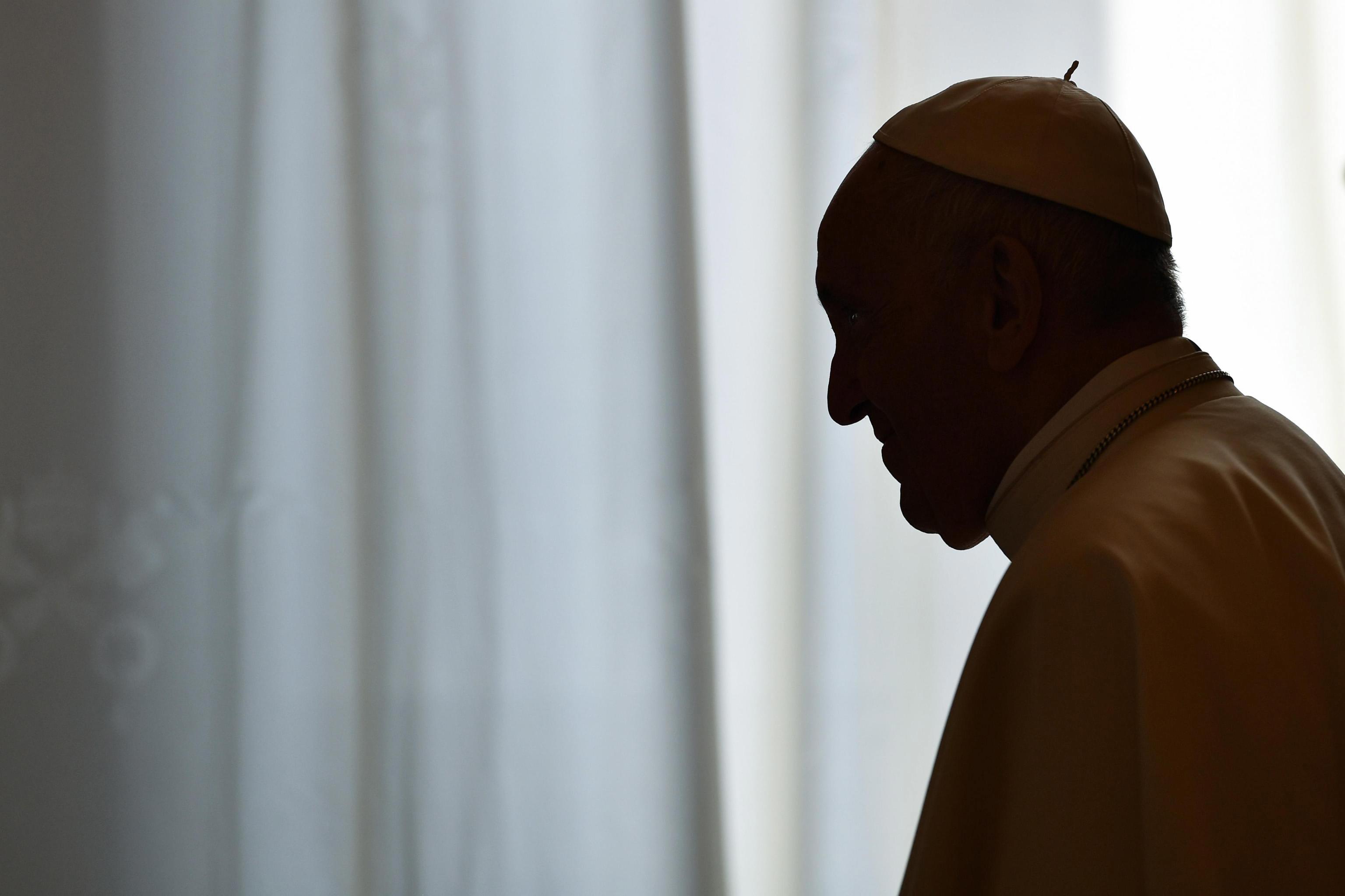 Papa diz que desprezo, insulto e indiferença perante o sofrimento matam