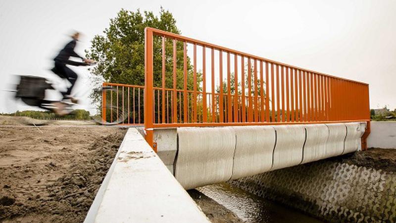 Ponte impressa em 3D inaugurada na Holanda