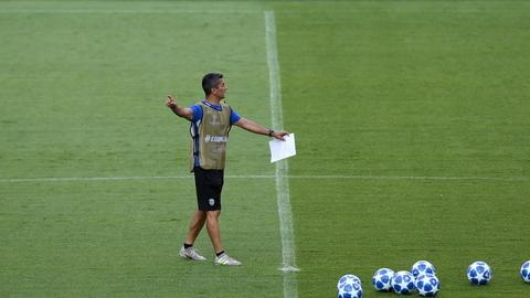 """Treinador do PAOK: """"Benfica foi muito forte, mas o futebol é isto"""""""